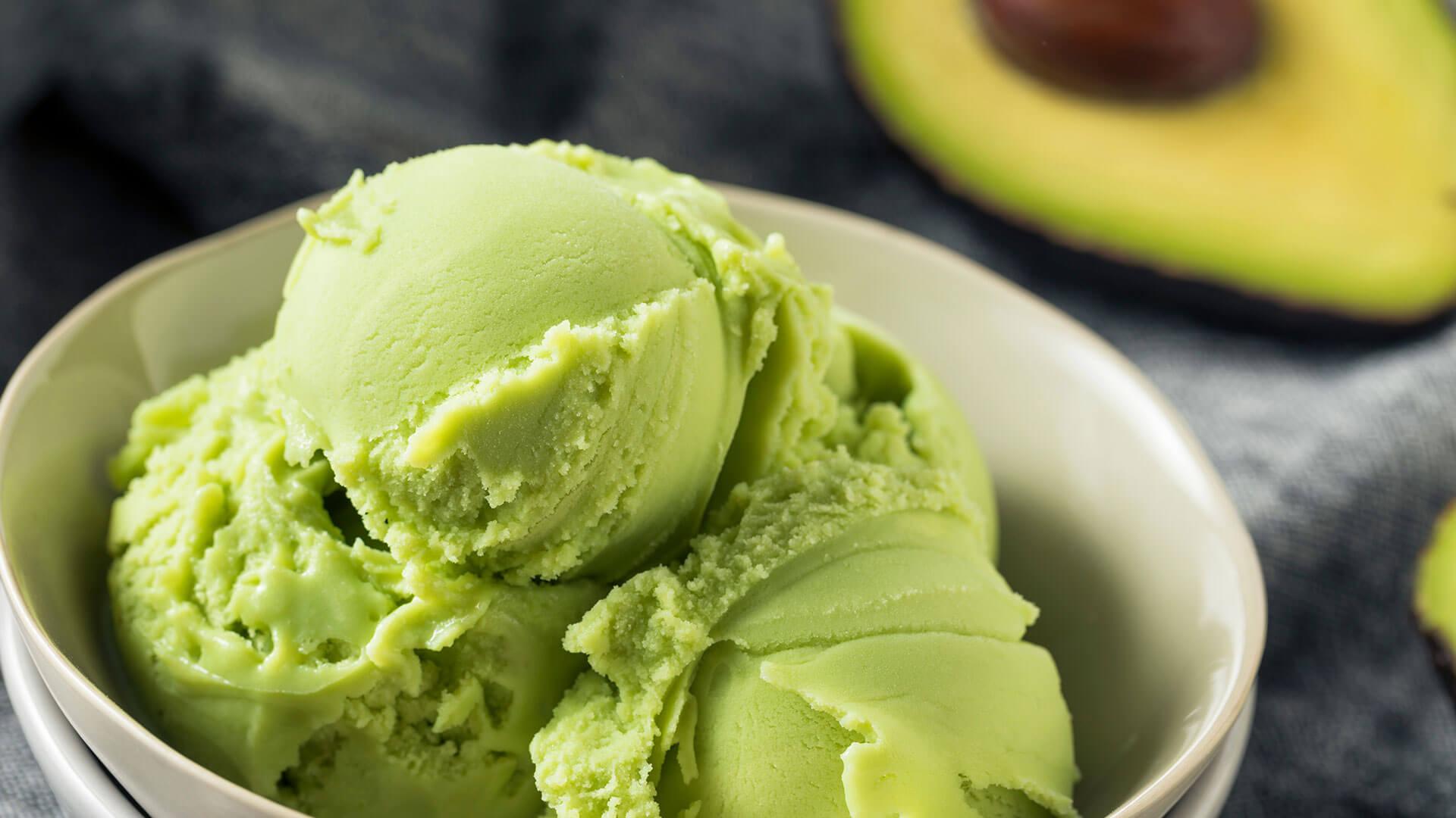 Receita de Sorvete Proteico de Abacate e Flocos - Zero Açúcar e reduzido em carboidratos